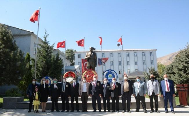 """Tatvan'da """"Gazileri anma günü"""" programı düzenlendi"""