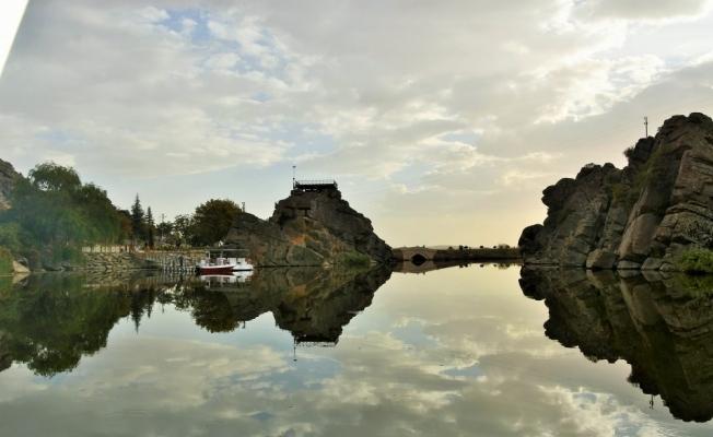Çeşnigir Kanyonu'nun doğa güzellikleri objektiflere yansıdı