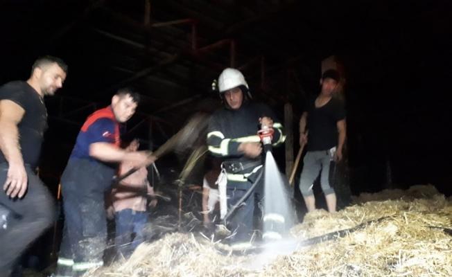 Köşk'teki yangında 300 paket saman zarar gördü