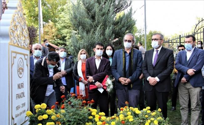 Kudüs Şairi Nuri Pakdil mezarı başında anıldı
