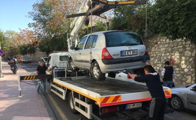 Trafik ekipleri 20 dakikada 12 sürücüye ceza kesti