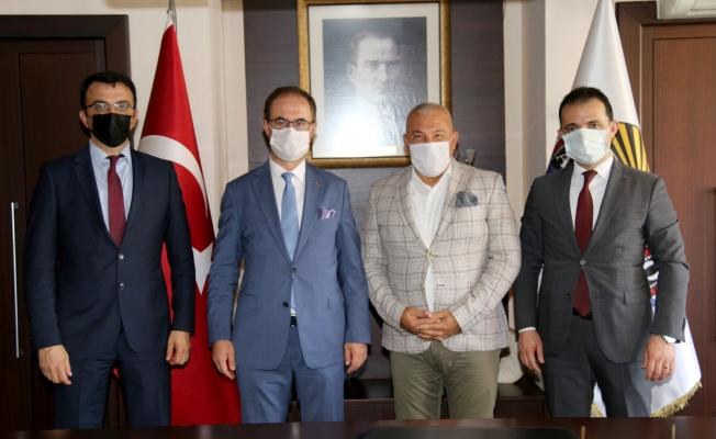 Vergi Dairesi heyeti Başkan Şahin'i ziyaret etti