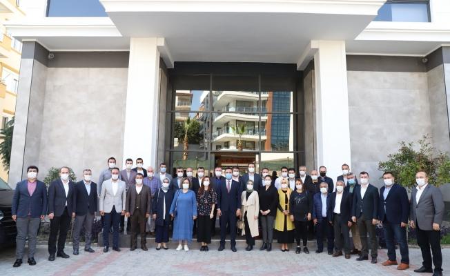 Alanya Ak Parti yönetimi toplandı