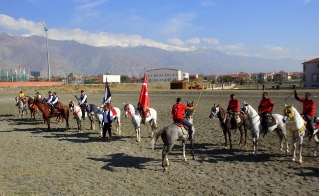 Ata sporu cirit Erzincan'da yaşatılıyor