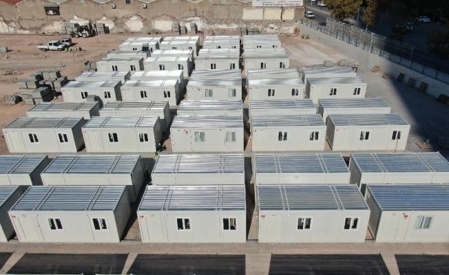 İzmir'de konteyner kentte çalışmalar hızla sürüyor