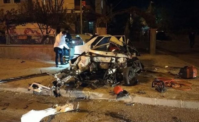 Kazada yaralanan 18 yaşındaki genç yaşam mücadelesini kaybetti