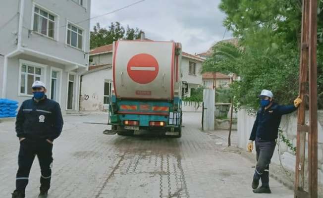 Marmara'da çöp konteynırları temizleniyor