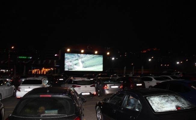 Rize'de 'Arabalı Sinema Etkinliği'ne yoğun ilgi