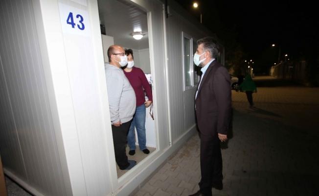 Başkan Sandal, konteyner kentteki depremzedeler ile buluştu