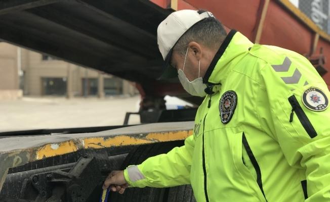 Düzce'de kış lastiğini takmayanlar denetimlere takıldı
