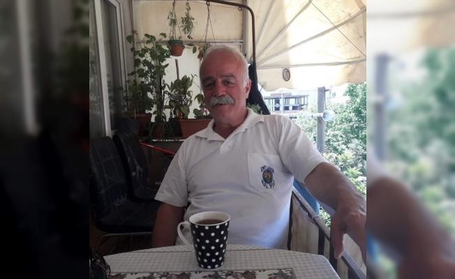Emekli gazeteci evinde ölü bulundu