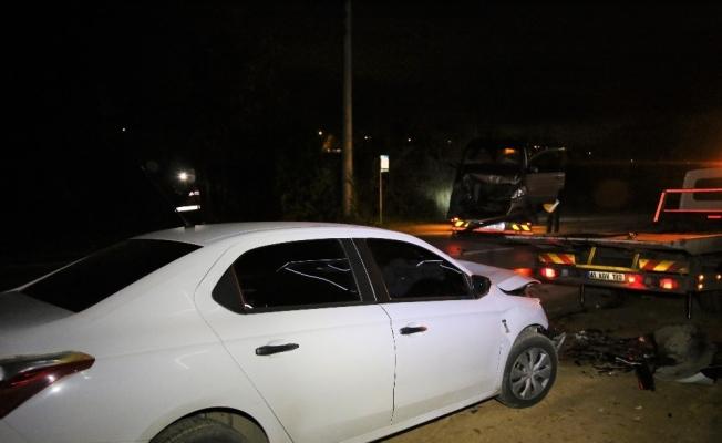Otomobil ile minibüs çarpıştı: 6 yaralı