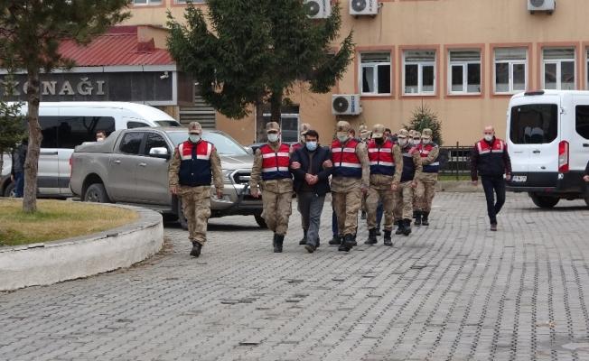 Silah kaçakçısı 7 kişi tutuklandı