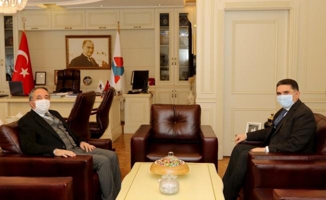 AK Parti Ağrı Milletvekili Çelebi, AİÇÜ Rektörü Prof. Dr. Karabulut'u ziyaret etti