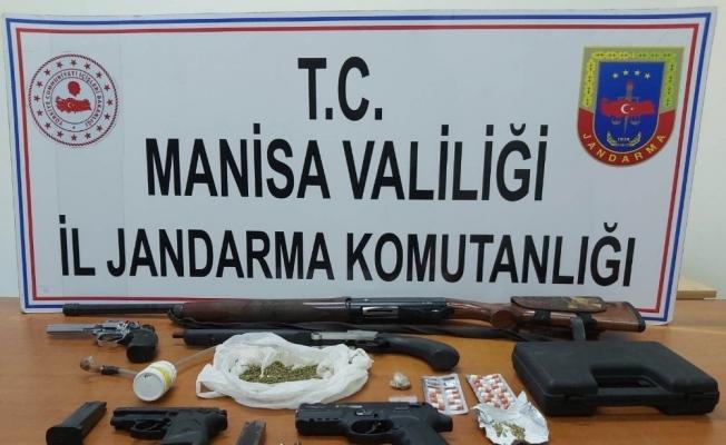 Jandarmadan uyuşturucu baskını: 5 gözaltı