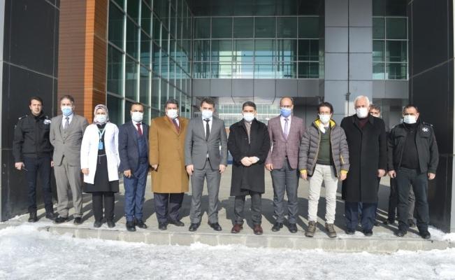 Milletvekili Çelebi Ağrı Eğitim ve Araştırma Hastanesi'nde incelemelerde bulundu