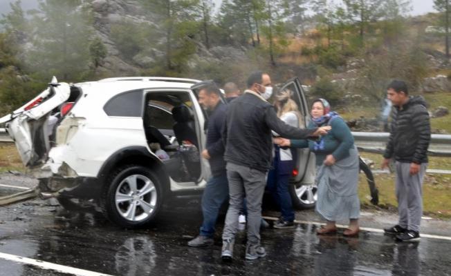 4 aracın karıştığı kazadan sıcak görüntüler