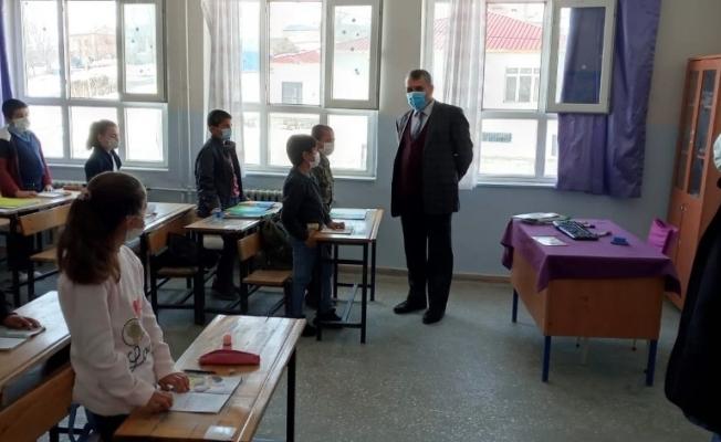 Adilcevaz'da 3 bin öğrenci yüz yüze eğitime başladı
