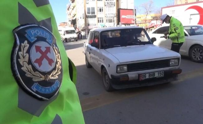Aksaray'da polisin uygulamaları sürüyor