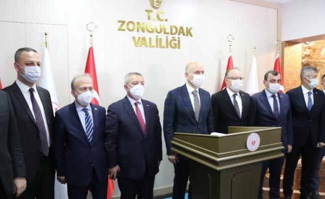 """Bakan Karaismailoğlu, """"Ulaşım ve haberleşme hizmetlerine yapılan harcamalar 914 milyar liraya yaklaştı"""""""