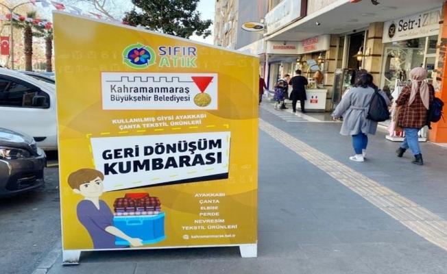 """Kahramanmaraş'ta caddelere """"geri dönüşüm kumbaraları"""" yerleştiriliyor"""