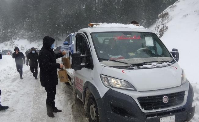 Kazdağları'nda dağ evlerinde mahsur kalan 30 kişiye ulaşıldı