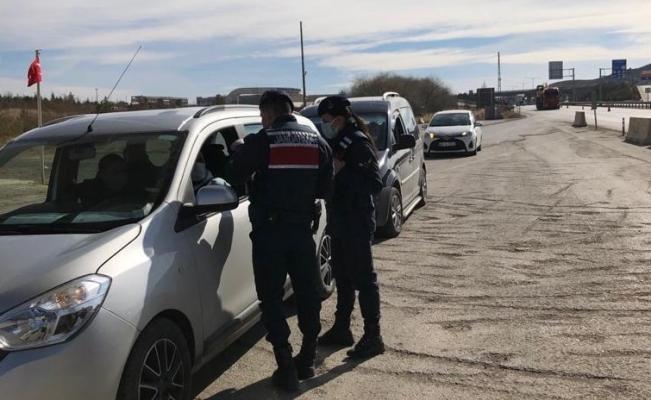 Kırıkkale'de kısıtlamaya uymayan kişilere ceza yağdı