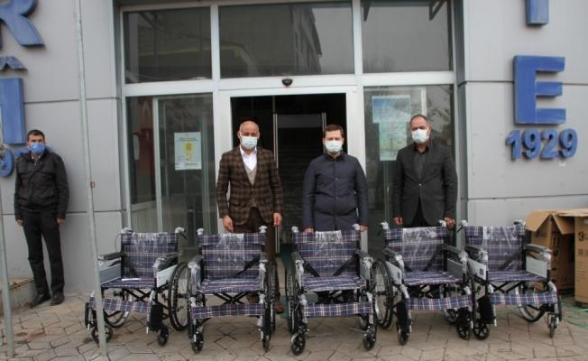 Malazgirtli engellilere tekerlekli sandalye desteği