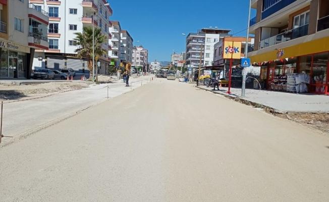 Mersin'de asfalt çalışmaları sürüyor