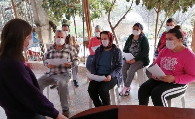 MEÜ Hemşirelik Fakültesi öğrencileri, ülkenin dört bir yanında halkı bilgilendiriyor