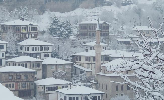 Safranbolu konakları karla ayrı bir güzelliğe büründü