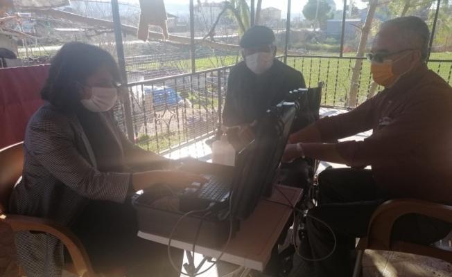 Selendi'de 'Adreste nüfus hizmeti' devam ediyor