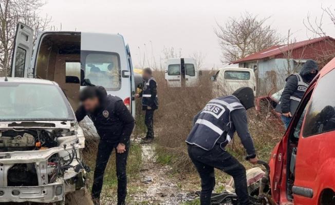 Sinop'ta oto hırsızlık operasyonunda 26 araç ele geçirildi