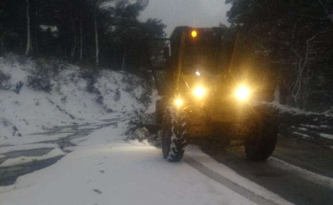 Soma'da karla mücadele devam ediyor