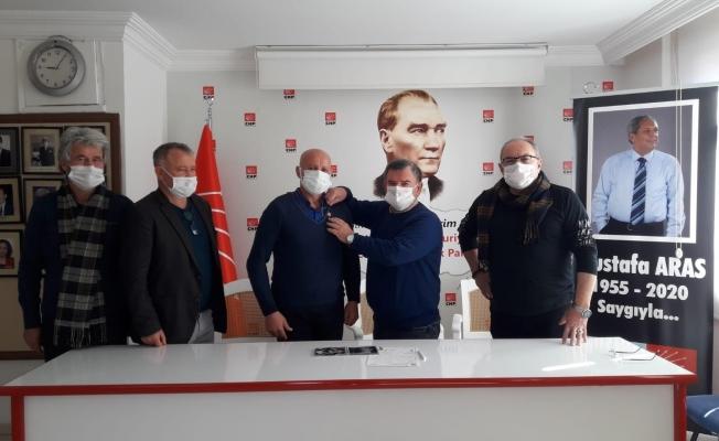 TRT sanatçısı CHP Alanya'ya üye oldu