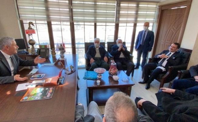 Zeydan Ailesi'nden AK Parti Hakkari İl Başkanı Özbek'e destek ziyareti