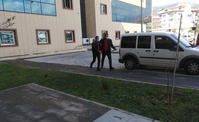 Alanya'da çeşitli suçlardan aranan 2 kişi yakalandı