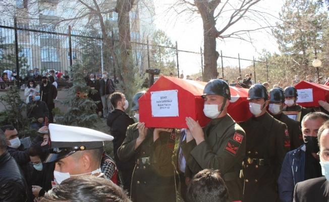 Bitlis şehitleri Ankara'da Cebeci Şehitliği'ne defnedildi