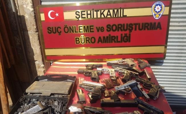 Hırsızlık şüphelisi kaçak silah imalathanesinde yakalandı