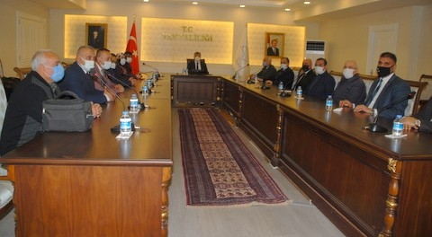 MHP'den Vali Bilmez'e nezaket ziyareti