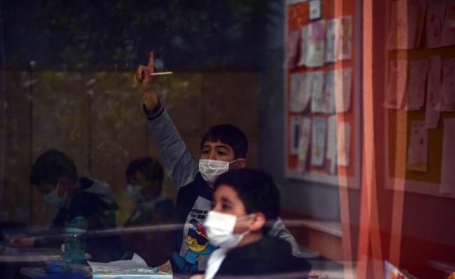Öğrenciler sınıflarına kavuştu