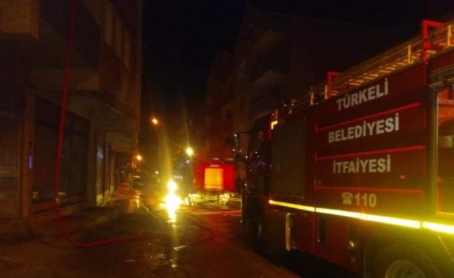 Türkeli'de çatı yangını korkuttu