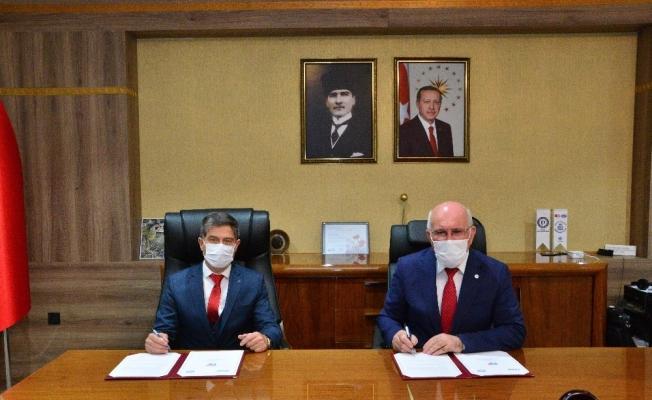 Uşak Üniversitesi ve AFAD arasında 'Afet Farkındalık Eğitimi' protokolü İmzalandı