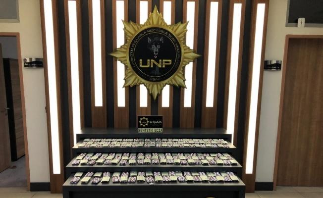 Uşak'ta narkotik ekipleri 4 bin 536 adet uyuştucu hap ele geçirdi