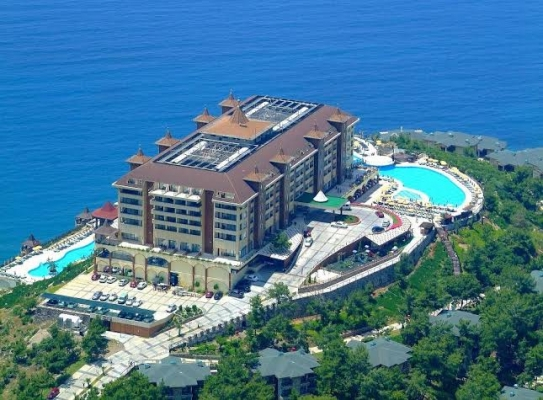 Alanya'da dev otelin satışı tamam