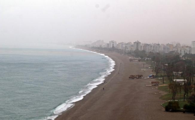 Antalya soğuk ve yağışlı havanın etkisi altına giriyor
