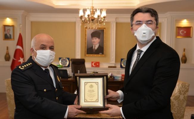 """Erzurum Emniyetinden Vali Memiş'e """"Polis Haftası"""" ziyareti"""