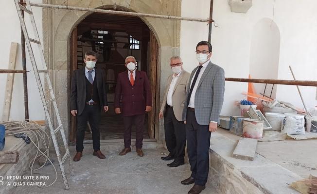 Kastamonu Vakıflar Bölge Müdürü Pınar cami tadilatını inceledi