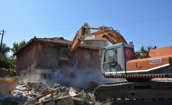 Keçiören'de 2 yılda 2 bin 300 metruk yapı yıkıldı