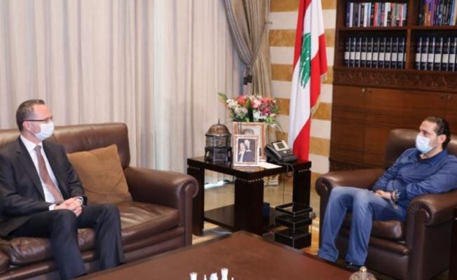 Lübnan'da hükümeti kurmakla görevlendirilen Hariri, Beyrut Büyükelçisi Ulusoy ile görüştü